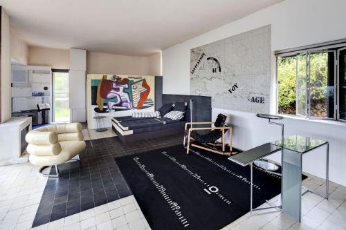 Interior of Villa E-1027 by Eileen Gray. Photo Manuel Bougot. Source: Association Cap Moderne.