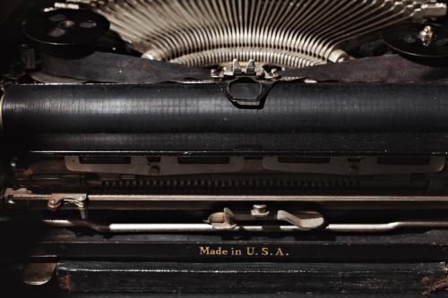 De Remington Portable typewriter on Mr. Sonneveld's desk. Photo Johannes Schwartz