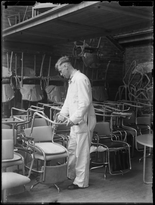 The tubular-steel cantilever chair without back legs in Gispens factory. Collection Het Nieuwe Instituut. Glass plate negatives