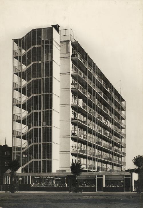 Van Tijen, Brinkman en Van der Vlugt. Bergpolderflat, Rotterdam. Collection Het Nieuwe Instituut. TENT n172